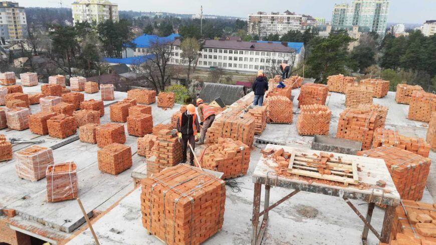 ЖК «Центральний» відновив роботу на будівельних майданчиках